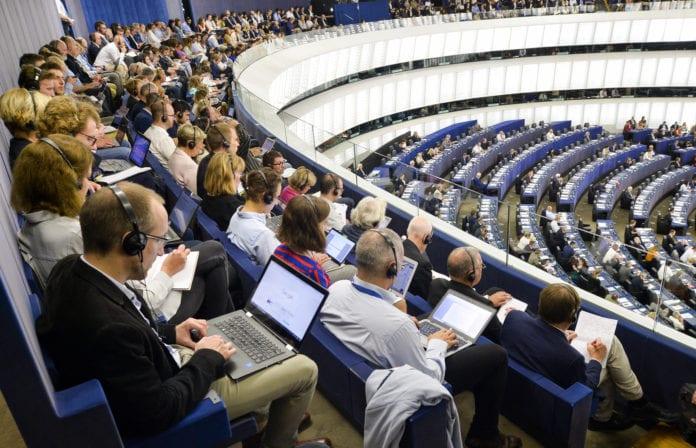 System zatwierdzania pestycydów, Komisja Europejska, Parlament Europejski, pestycydy, środki ochrony roślin, glifosat