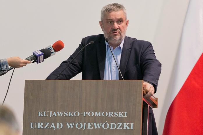 rolnik, rolnictwo, Jan Krzysztof Ardanowski, ministerstwo rolnictwa i rozwoju wsi, wapnowanie gleb, system nawodnień, mała retencja, usuwanie azbestu,