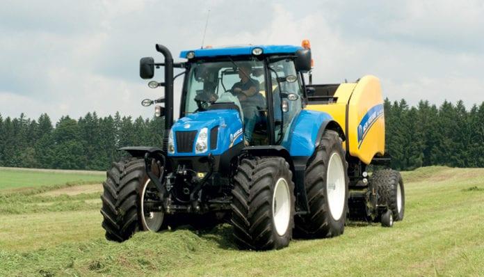 sprzedaż ciągników, nowe ciągniki, ciągniki, Kubota, New Holland, John Deere