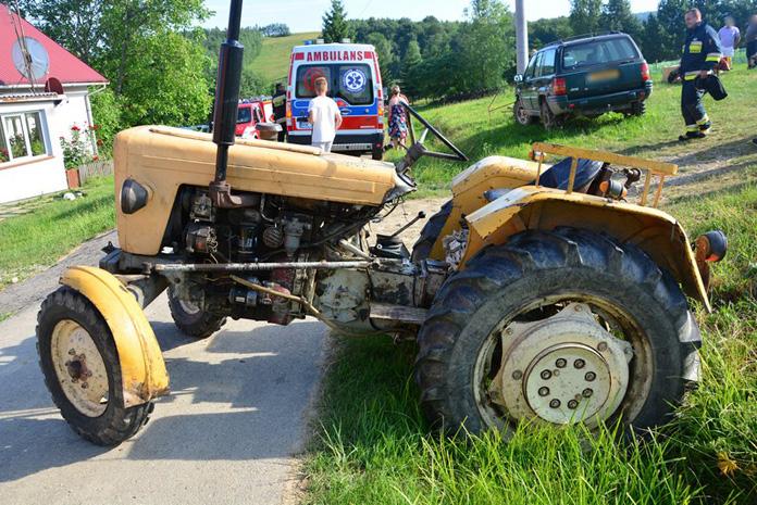 ciągnik, wypadek ciągnika, wypadek na wsi,