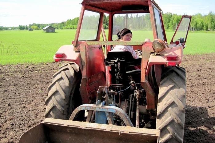 rolnik, ciągnik, wypadek na wsi, pijany traktorzysta, KPP Lubliniec