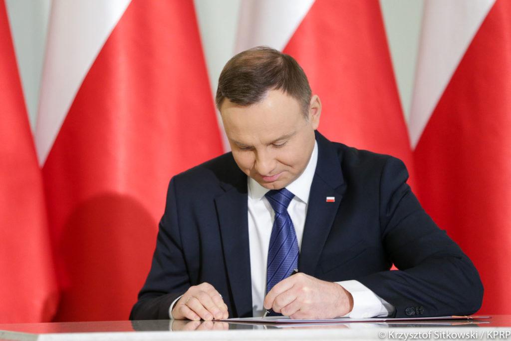 ustawa o kształtowaniu ustroju rolnego, sprzedaż ziemi, zakup ziemi, prezydent Andrzej Duda,
