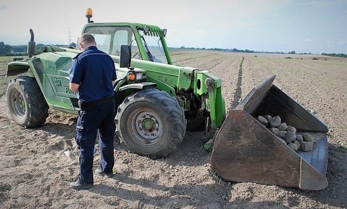 rolnik, rolnictwo, KPP Tczew, alkohol, pijany rolnik, rolniuk na podwójnym gazie, wypadki, nietrzeźwy rolnik