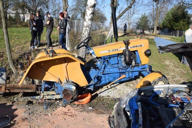 rolnik, rolnictwo, wypadek, wypadek ciągnika, Ciągnik Ursus zderzył się z osobowym mitsubishi